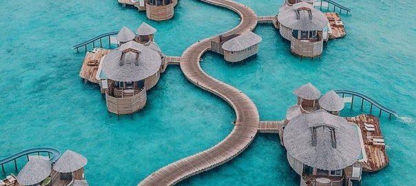 Ayo Liburan Ke Pantai Maldives Sekarang Juga !